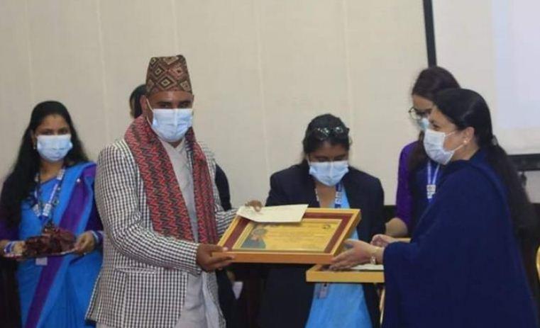 'युवा पत्रकारिता पुरस्कार'बाट देवकोटा सम्मानित